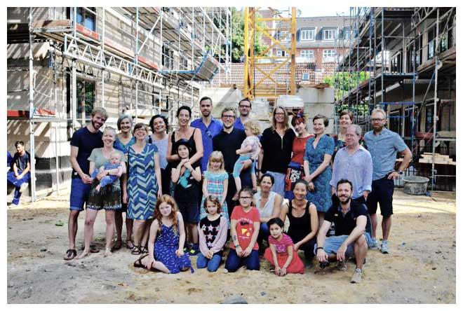 Vorfreude bei den künftigen Bewohnern: Es wird wahr! Richtfest des Nachbarschaftshauses Wohnkollektiv kleinefreiheit am 22. Juli 2016